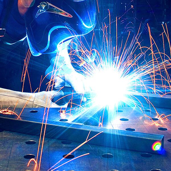 Titelbild Metallbearbeitung - alpin production GmbH & Co Vertriebs KG - Untergriesbach
